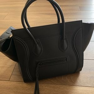celine phantom medium bag in black